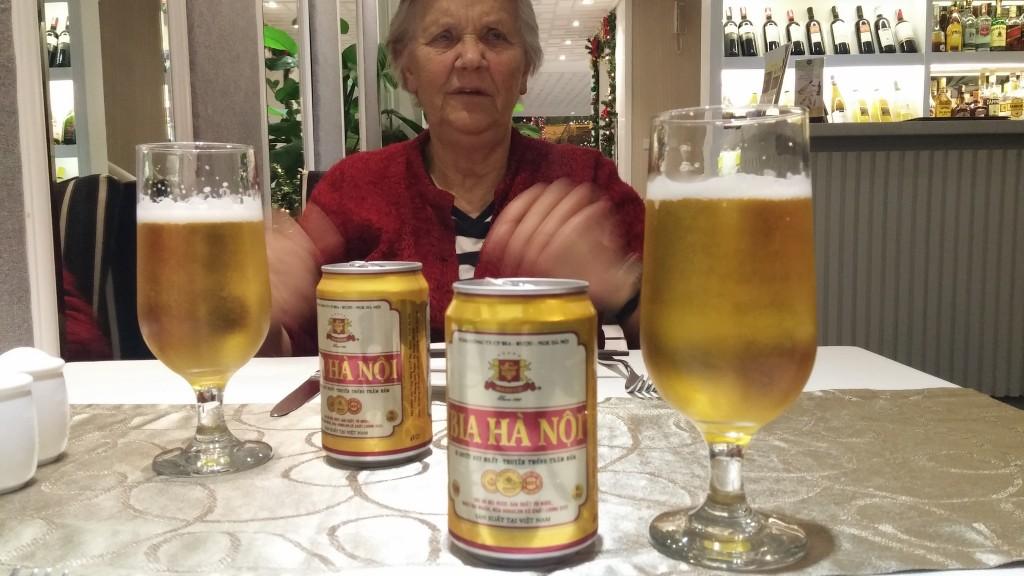 mormor og vietnamesisk øl