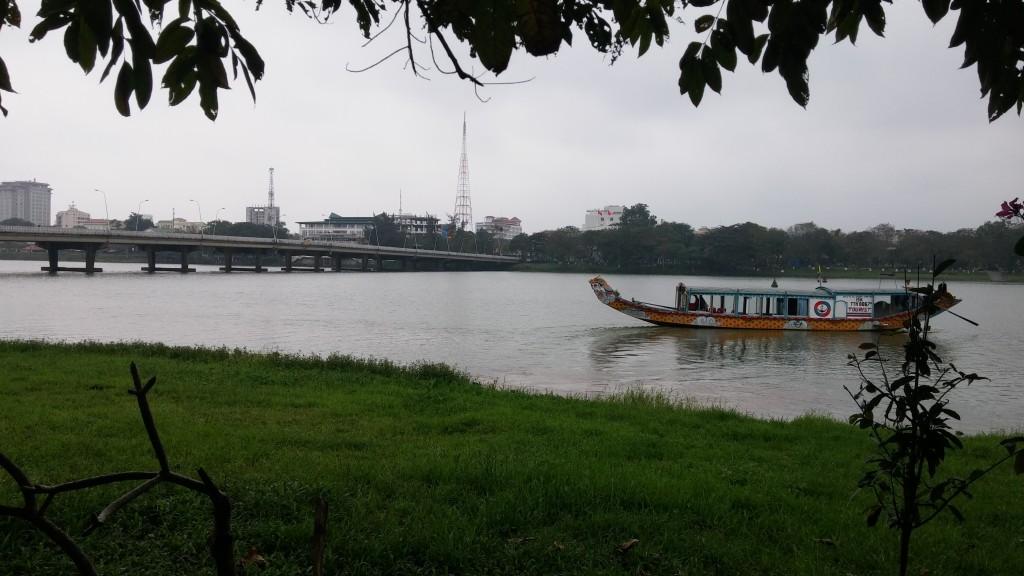 sejle på den duftende flod